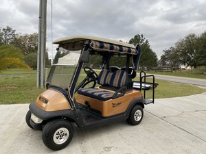 Golf cart club car four seater new condition for Sale in Clermont, FL