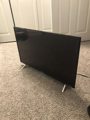 32in TCL Roku TV for Sale in Salem, MA