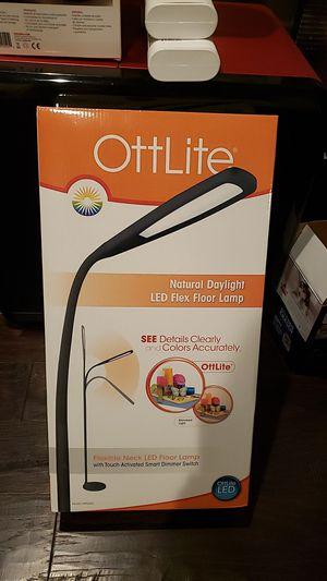Led flex floor lamp for Sale in Renton, WA