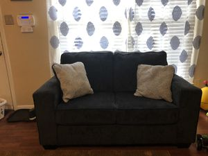 Couch and loveseat. for Sale in Lexington, KY