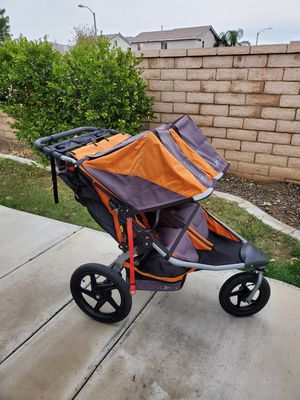 BOB Revolution Duallie Double stroller for Sale in Perris, CA
