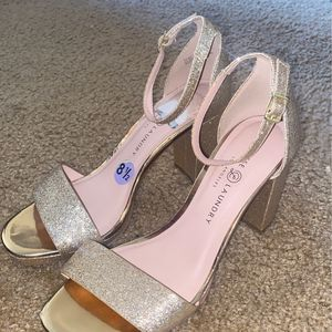 Size 8 1/2 GOLD color Heels for Sale in Westminster, CA