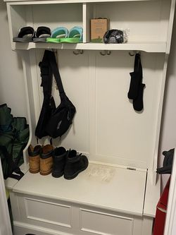 Entryway Show/hanger Shelf With Bench Storage for Sale in Seattle,  WA