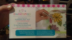 Tylina SWEETSHOP Decorating AIRBRUSH Kit for Sale in Fairfield, CA