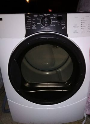 Kenmore elite front load washer dryer set for Sale in Winter Haven, FL