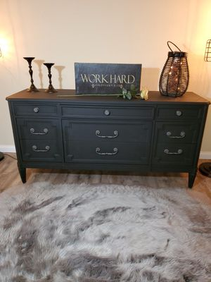 Gorgeous Dresser for Sale in West Covina, CA