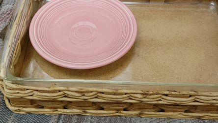 Vintage Pyrex With Weaved Rattan Carrying Basket for Sale in West Covina,  CA