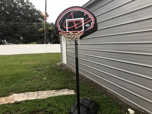 Basketball hoop / pole med size for Sale in Kissimmee, FL