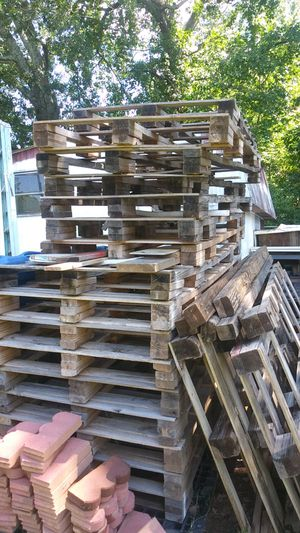 Pallets for Sale in Greenville, SC