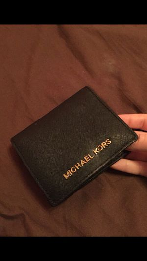 Authentic Michael Kors wallet for Sale in Bronx, NY