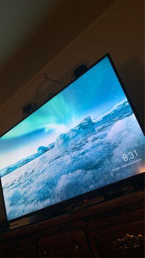 """70"""" Vizio V series smart TV for Sale in Fresno, CA"""