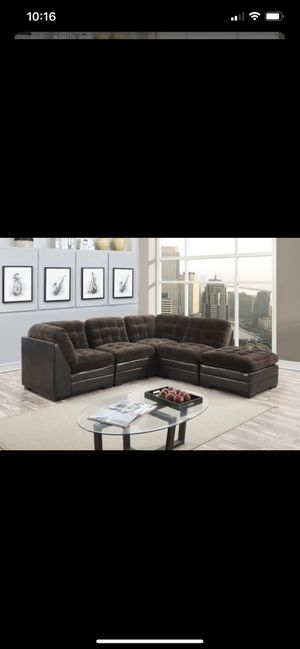 Morrison Sectional Couch for Sale in Gresham, OR