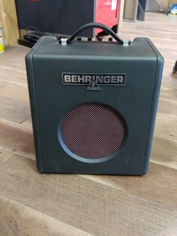Behringer Thunderbird Bass Guitar Amplifier Great Condition! for Sale in Philadelphia,  PA