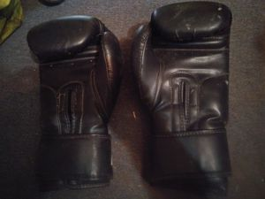 Ufc boxing gloves for Sale in Channelview, TX