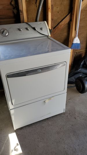 Whirlpool washer and dryer for Sale in Oakbrook Terrace, IL