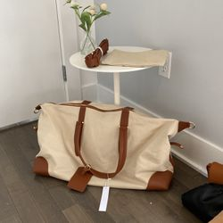 Henny +Lev Duffle Bag With Additional Pouch And Strap for Sale in Seattle,  WA