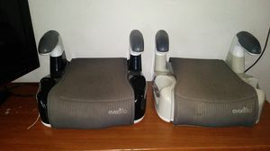 2 evenflo booster seats for Sale in Cleveland, OH