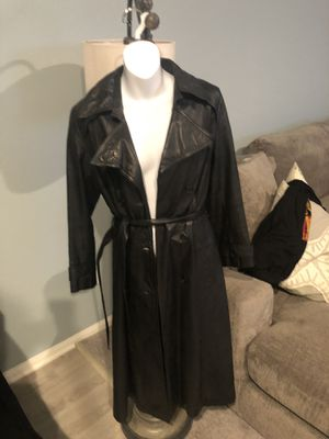Vintage leather trench coat from Nordstrom for Sale in Cherry Valley, CA