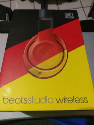 Beats Studio 2 Wireless Headphones Unity Edition Limited Germany Silver B0501 Bluetooth for Sale in Houston, TX