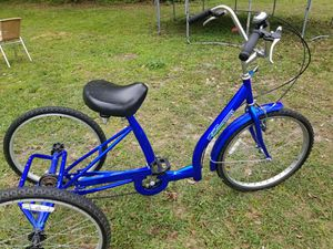 Three wheel bicycle like new for Sale in Tampa, FL