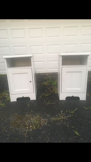 Two white end tables for Sale in Hinsdale, IL