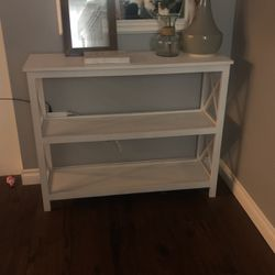 HomeGoods Console Table for Sale in Gladstone,  OR