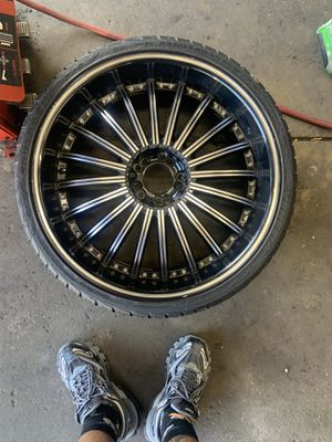 UNIVERSAL 5 LUGS 22' inch for Sale in Washington, DC