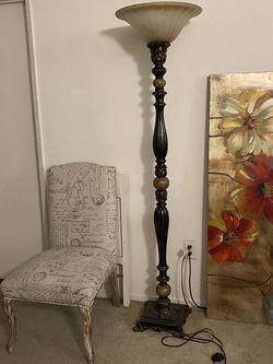 Perfect Conditions . Chair , Lamp And Painting . for Sale in Los Angeles,  CA