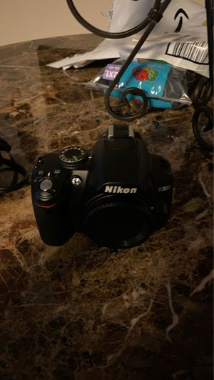 Nikon D3000 for Sale in Charlotte, NC