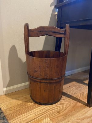 Antique Iron Bound Wishing Well Bucket for Sale in Sammamish, WA