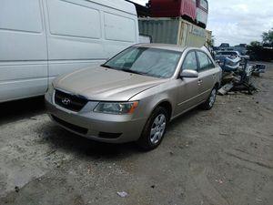 2005 Hyundai sonata parts for Sale in Tampa, FL