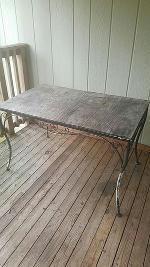 Antique Iron patio furniture. for Sale in Puyallup, WA
