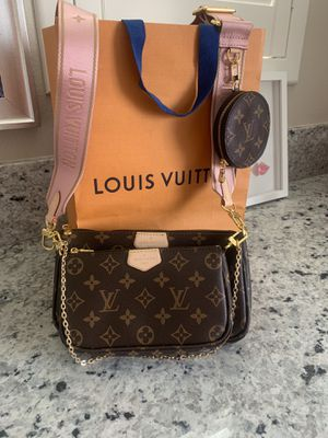 Louis Vuitton Multi Pochette Accessoires Monogram Rose Crossbody bag for Sale in Rowland Heights, CA
