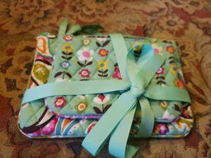 Vera Bradley Cosmetic Bags for Sale in Knoxville, TN