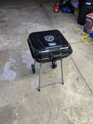BBQ Charcoal Grill for Sale in Madison Heights, MI