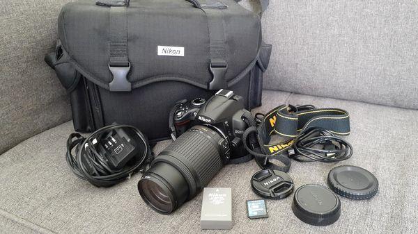 Nikon D5000 DSRL Camera with 55-200mm lens