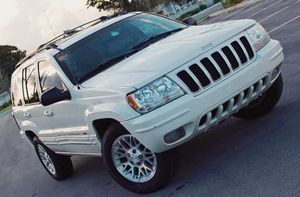 Runs Good 2004 Jeep Grand Cherokee AWDWheels for Sale in Akron, OH