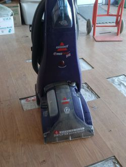 Bissell Heat Pet for Sale in Lancaster,  CA