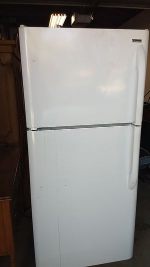 Kenmore refrigerator for Sale in Clovis, CA
