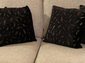 Decorative Black Throw Pillows for Sale in Annandale,  VA