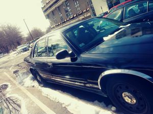 Ford crown vic. 2006 for Sale in Boston, MA