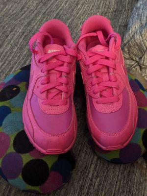 Limited edition pink /fuchsia air Max girls size 2 for Sale in Marietta, GA