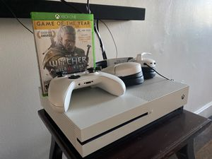 Xbox One 1TB + Headset + game for Sale in Everett, MA