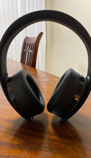 Sony PlayStation Gold Wireless Headset for Sale in Hayward, CA