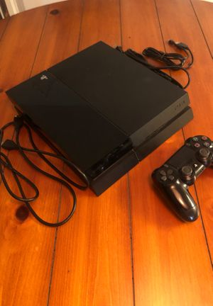 Selling ps4 with controller for Sale in San Diego, CA