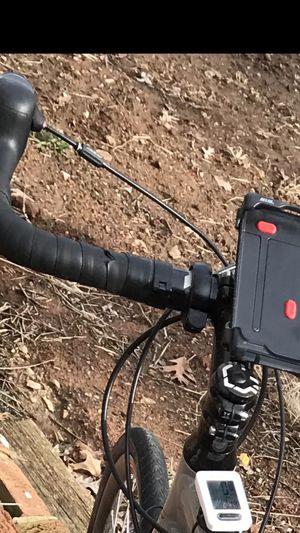 Felt v100 series gravel/road bike for Sale in Gaithersburg, MD