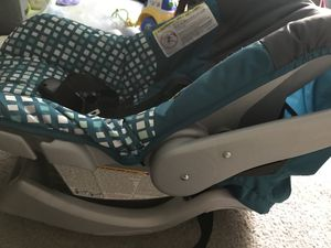 Evenflo Infant Car Seat for Sale in Gaithersburg, MD