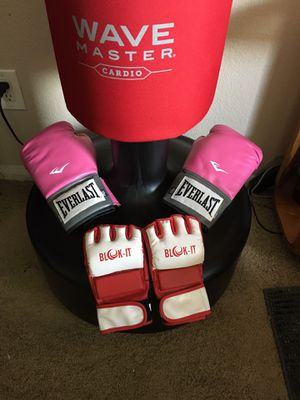Punching bag and gloves for Sale in Escondido, CA
