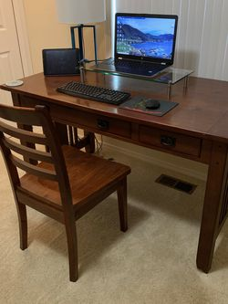 Wooden Desk and Chair for Sale in Renton,  WA