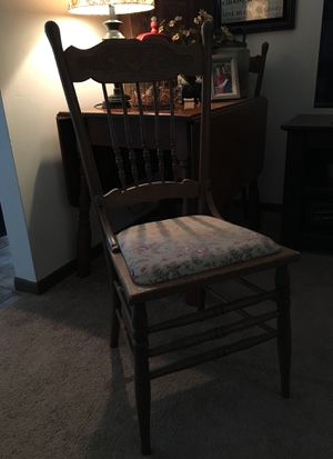2 ANTIQUE CHAIRS for Sale in Newark, OH